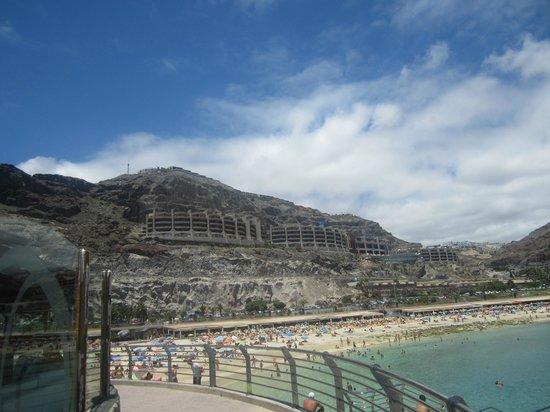 Gloria Palace Royal Hotel & Spa : Hotel from beach