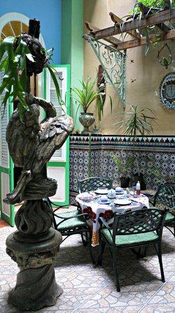 Casa Cristo Colonial: The eating area