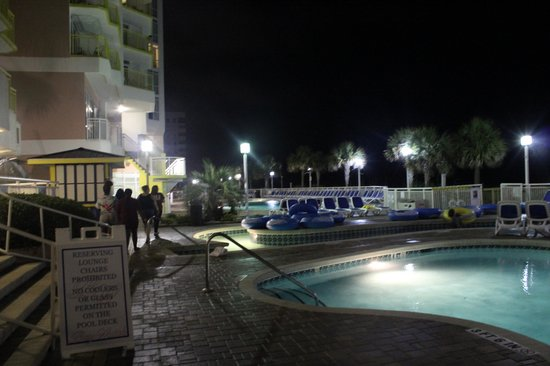Bay Watch Resort & Conference Center : Pool Area