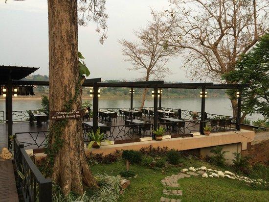 Ibis Styles Chiang Khong Riverfront: terrasse du restaurant