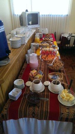 Hotel Wendy Mar: An excellent breakfast spread!