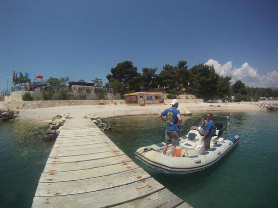 Stobrec, Croacia: Dive center, crew and speed boat..