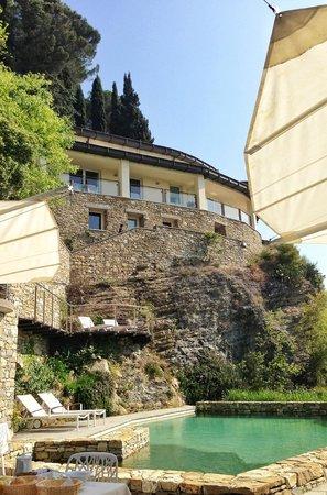Eden Rock Resort: View from restaurant/pool area