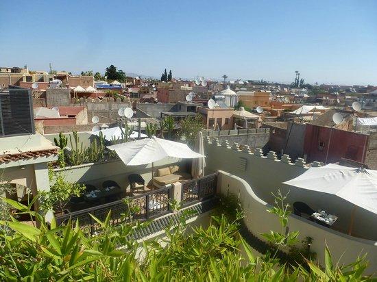 Riad Ambre et Epices : belle vue de la terrasse