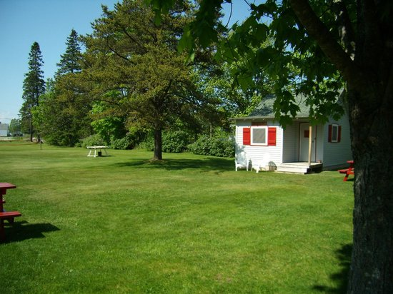 Riverview Cottages: S.T. Salter  $ 85.00 a night