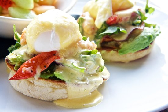 Glo Restaurant & Lounge : Join us for brunch and try our Eggs Bennies!