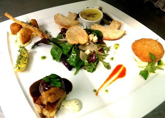 The Blue Apron Restaurant: assiette if starters