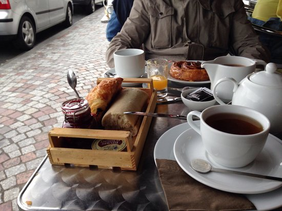Patisserie Charlotte Corday : Petit déjeuner