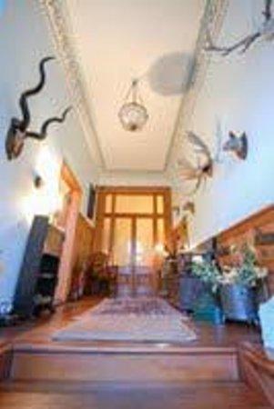 Stravithie Castle: Entrance Hall