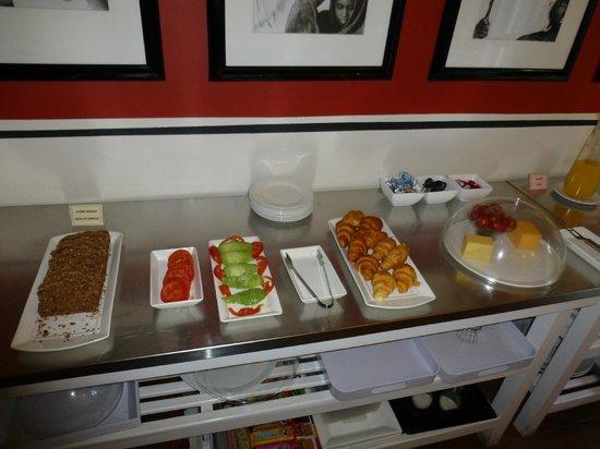 An African Villa: Breakfast selection