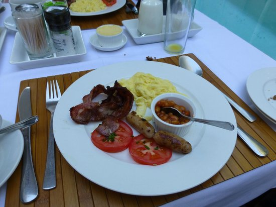 An African Villa: Hot breakfast