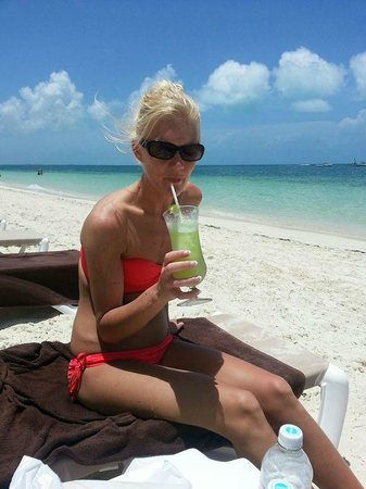 Excellence Playa Mujeres : Beach and Electric Lemonade