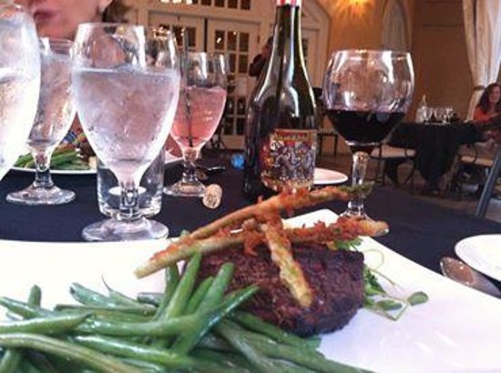 J.H. Adams Inn: Dinner in Hampton's Restaurant