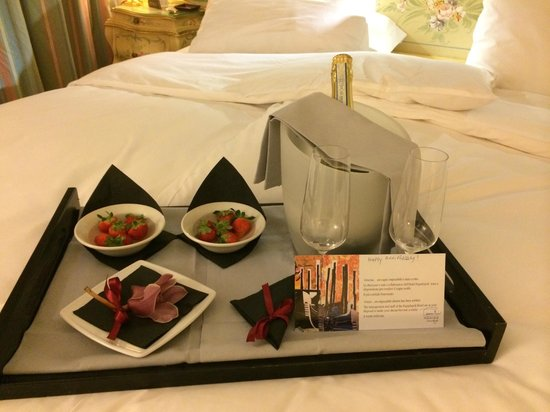 Hotel Papadopoli Venezia MGallery by Sofitel: Une charmante attention pour notre anniversaire de mariage
