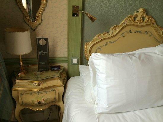 Hotel Papadopoli Venezia MGallery by Sofitel: Décoration style ancien, meubles peints
