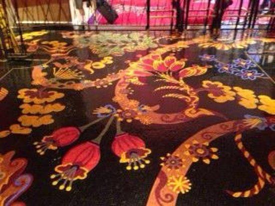 Encore At Wynn  Las Vegas: Floor in To-go style Coffee Area