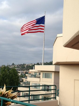 Residence Inn Seattle Downtown/Lake Union: Ole' Glory Waving is a wonderful sight when you've been out of the USA!!!