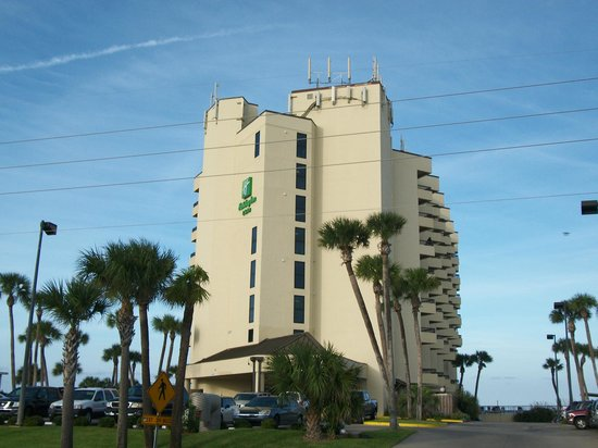 Best Western New Smyrna Beach Hotel & Suites: View from out front (was a Holiday Inn at the time)