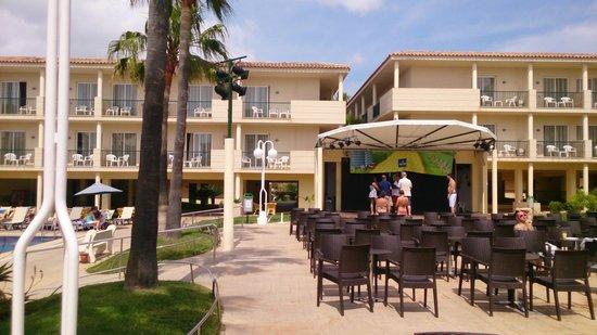 Occidental Ibiza: round the pool