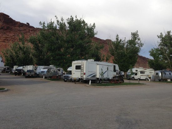 Moab Valley RV Resort & Campground : very busy but still quiet at night