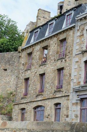 Vista lateral da Pousada La Mere Poulard