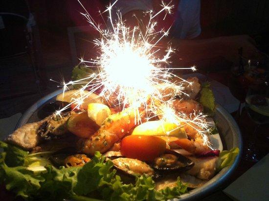 Carlos: Ассорти морепродуктов (красивая подача блюда)