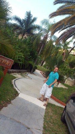 Eurostars Hacienda Vista Real: Entrando al Hotel