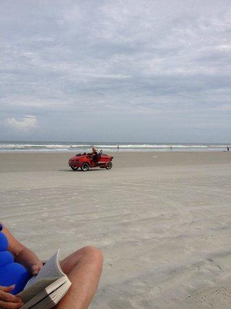 Beach at Daytona Beach: Space