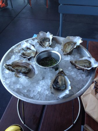 Hog Island Oyster Company : Sweetwater oysters