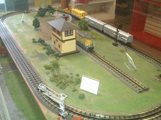 Casey Jones Village: Museum train set