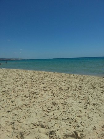 Hotel Diar Lemdina : beautiful beach
