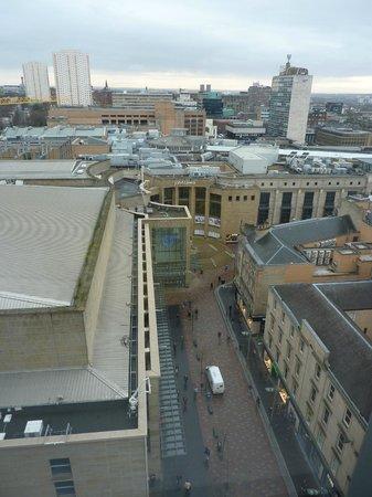 Premier Inn Glasgow City Centre Buchanan Galleries Hotel: A very peaceful sleep from this Room :-)