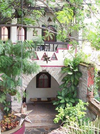 Hotel Casa Blanca: Inner Court yard