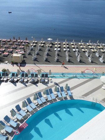 Hotel Marbella : View from 4th floor balcony