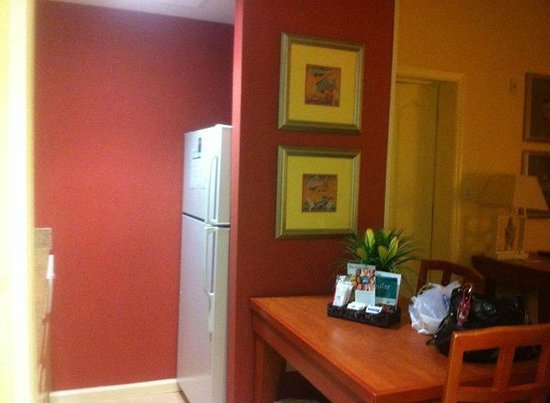 Homewood Suites Orlando-Nearest to Universal Studios: fully equipped kitchen