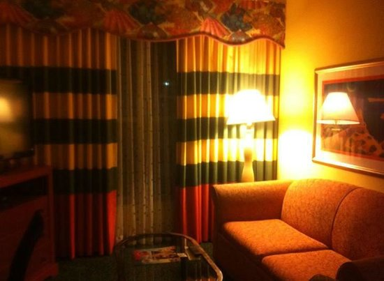 Homewood Suites Orlando-Nearest to Universal Studios : 2 tvs in every room.