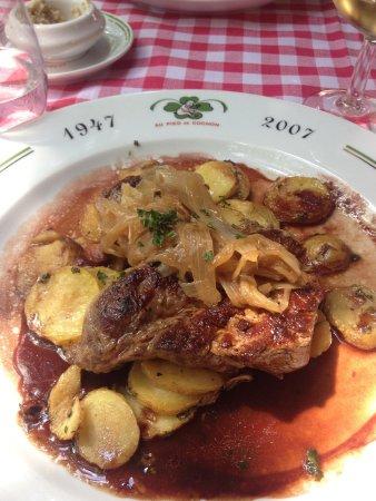 Au Pied de Cochon: Delicius food