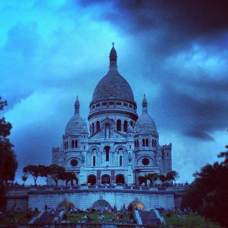 Basilique du Sacré-Cœur de Montmartre : sacra coeur at night