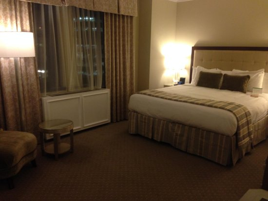 Warwick New York: Deluxe king room