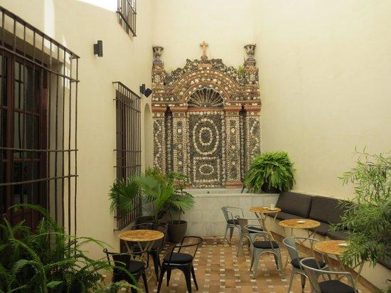 Hotel Palacio de Villapanes: Resturant courtyard