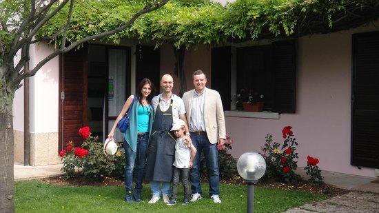 B&B Villa Beatrice: Simon & Family