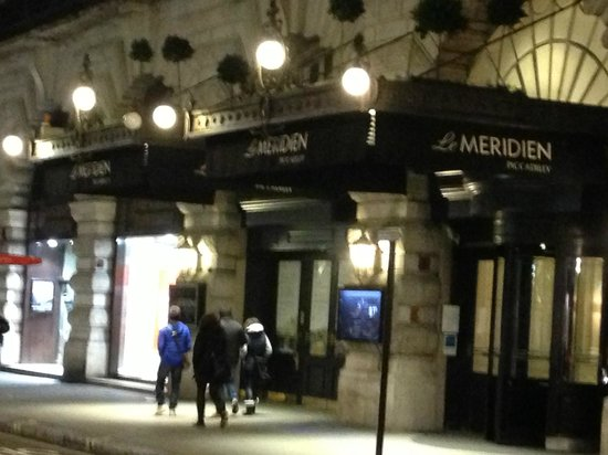 Le Meridien Piccadilly: Entrada do Hotel
