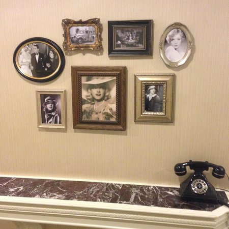 Warwick New York: Old School NY hallway decor