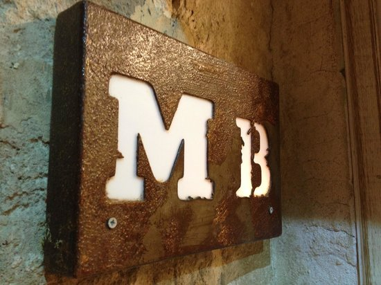Mojo Burgers: MB