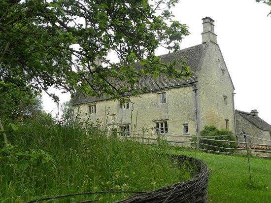 Woolsthorpe Manor and Newton's apple tree