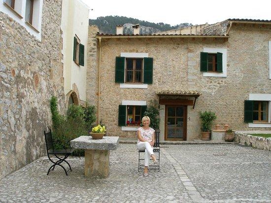 Finca Hotel Son Palou : Lovely Courtyard