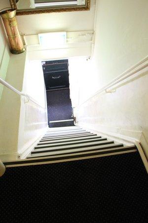 Prinsenhof: Looking down towards the main door