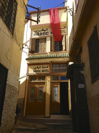 Maroc Hotel: Front entrance and upper lounge window.