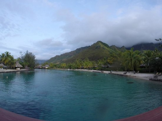 InterContinental Moorea Resort & Spa : Vista dos bungalows na praia