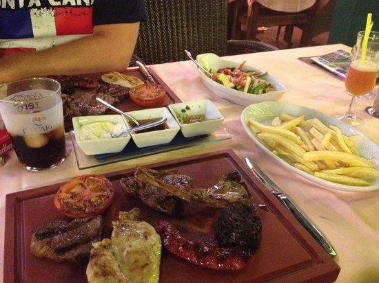 Grill El Asador: Parillada de carne